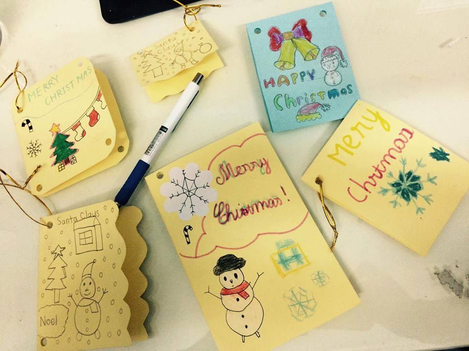 Những tấm thiệp Giáng sinh xinh xắn do các bạn Học viên làm